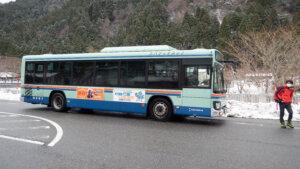 坊村バス停